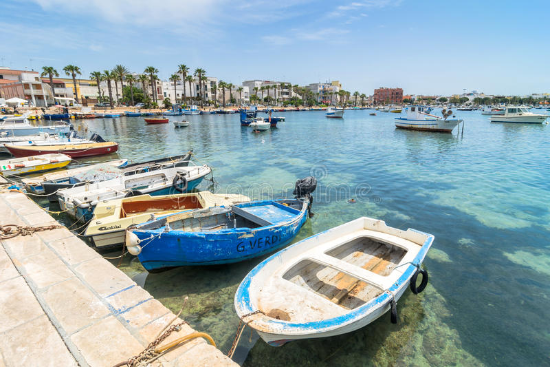 Porto Cesareo kustlinje i den Ionian kusten, Italien arkivbilder