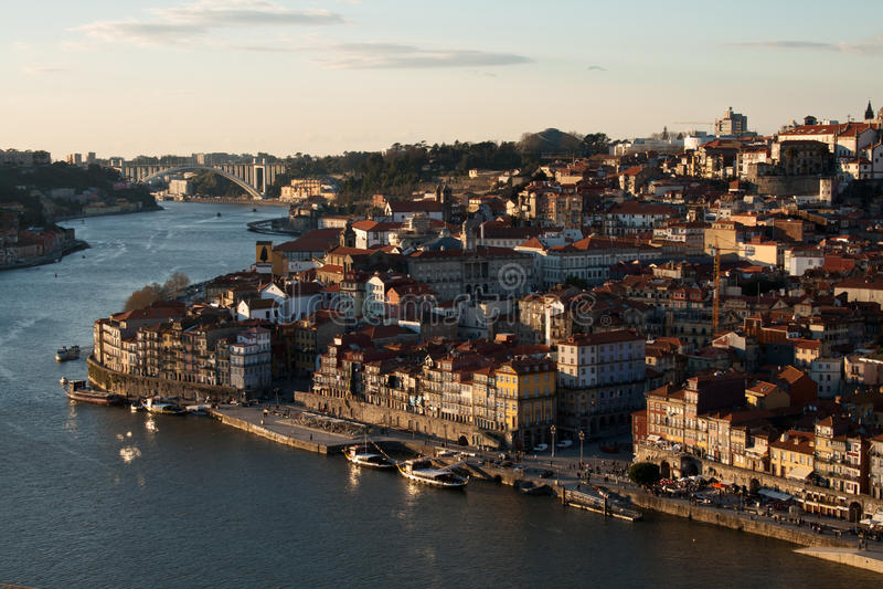 Porto cityscape in de zonsondergang royalty-vrije stock afbeeldingen