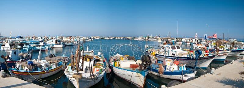Download Porto com barcos de pesca imagem de stock. Imagem de east - 10057009