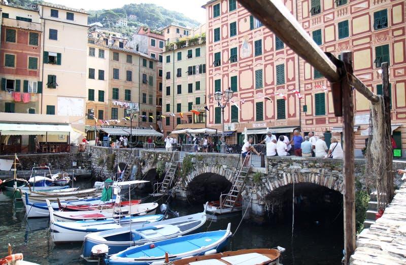 Porto da aldeia piscatória Camogli, Italy fotos de stock