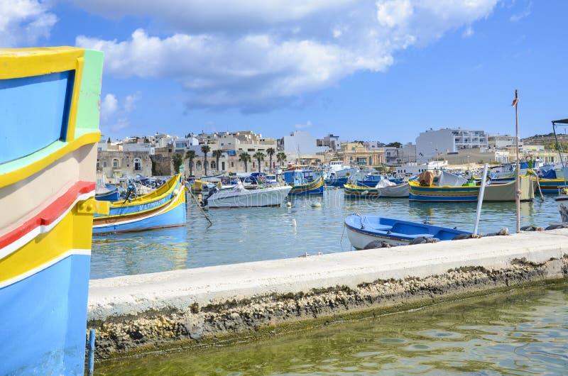 Porto da aldeia piscatória, Marsaxlokk, Malta imagens de stock