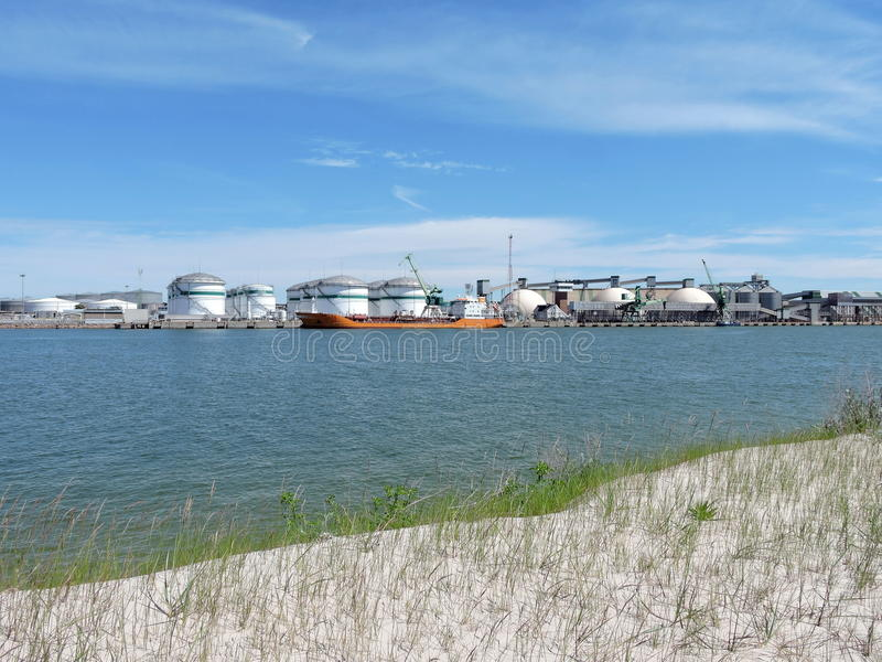 Porto da cidade de Klaipeda, Lituânia foto de stock royalty free