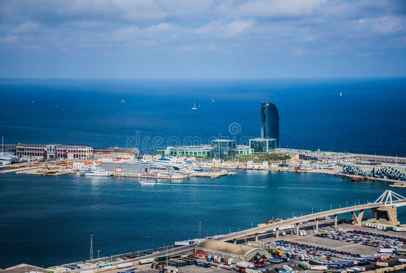 Porto de Barcelona com embarcações foto de stock