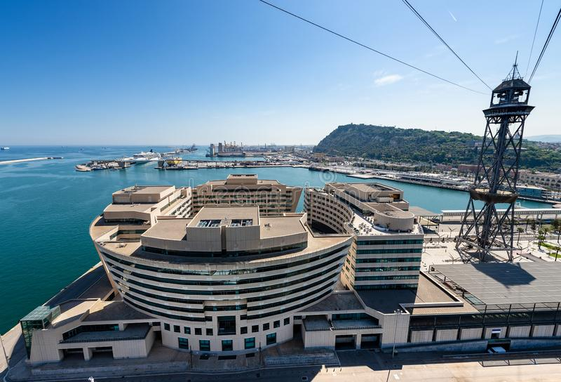 Porto de Barcelona - vista aérea do cabo aéreo fotos de stock royalty free