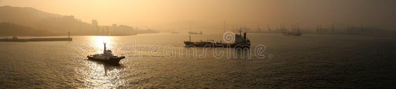 Porto de Busan no crepúsculo fotos de stock royalty free