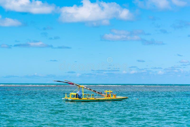 Porto de Galinhas, Ipojuca, Pernambuco, Brasil - em maio de 2019: uma das praias as mais bonitas no mundo, onde você pode tomar fotografia de stock royalty free