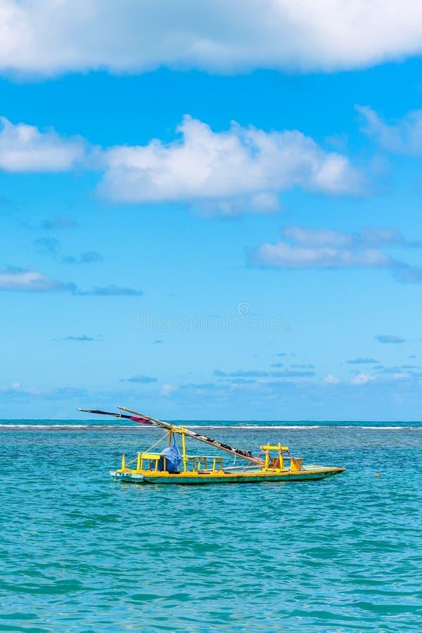 Porto de Galinhas, Ipojuca, Pernambuco, Brasil - em maio de 2019: uma das praias as mais bonitas no mundo, onde você pode tomar foto de stock