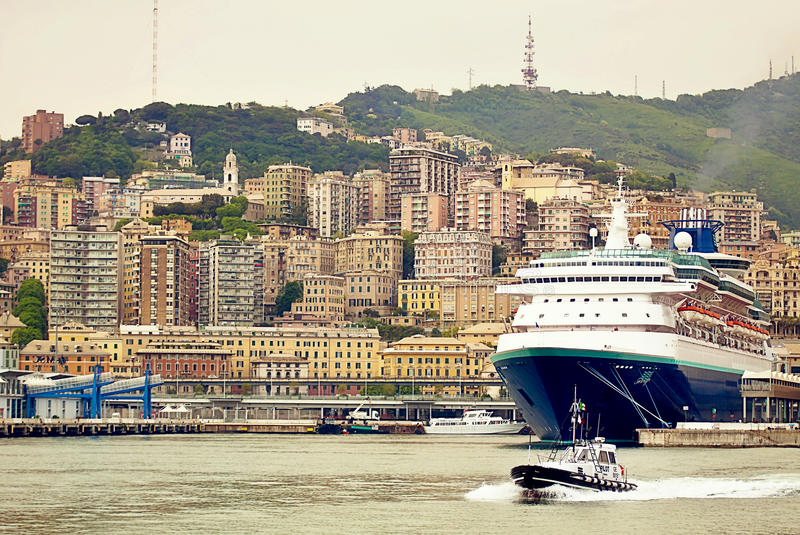 Porto de Genoa, Itália, foto de stock royalty free