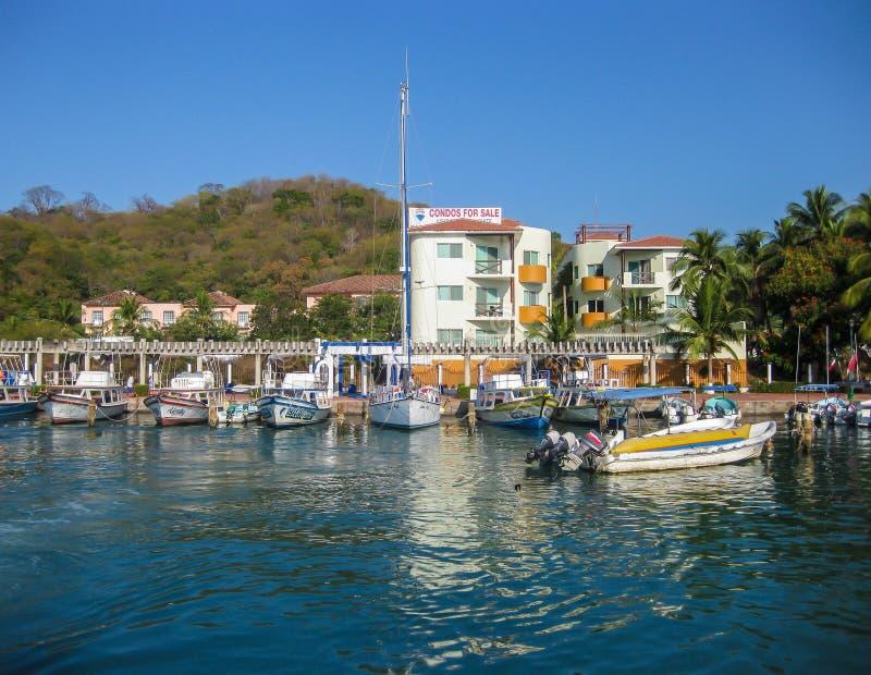 Download Porto de Huatulco foto editorial. Imagem de excursion - 65575581