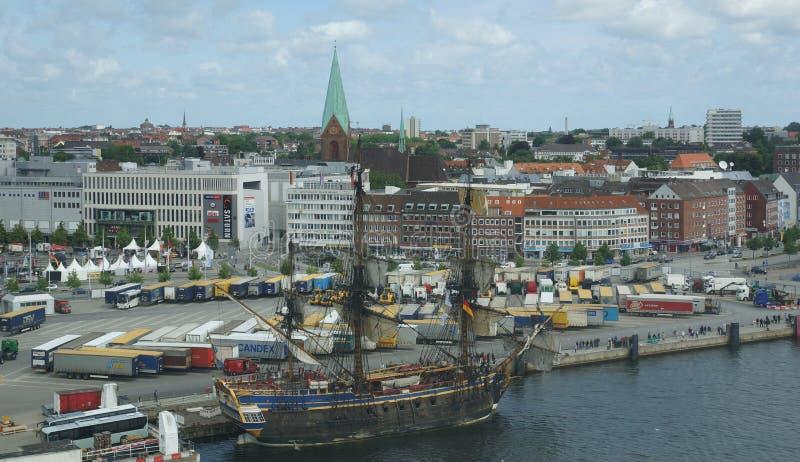Porto de Kiel - capital regional de Schleswig-Holst imagem de stock