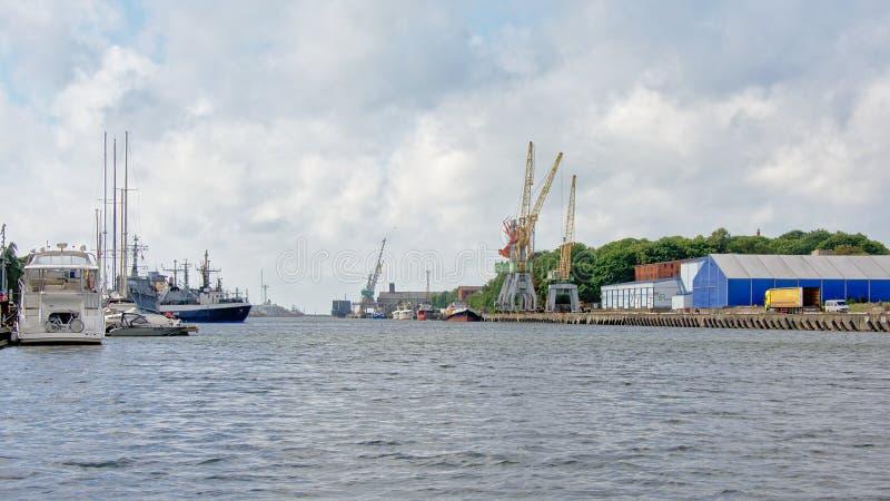 Porto de Liepaja, Letónia imagens de stock