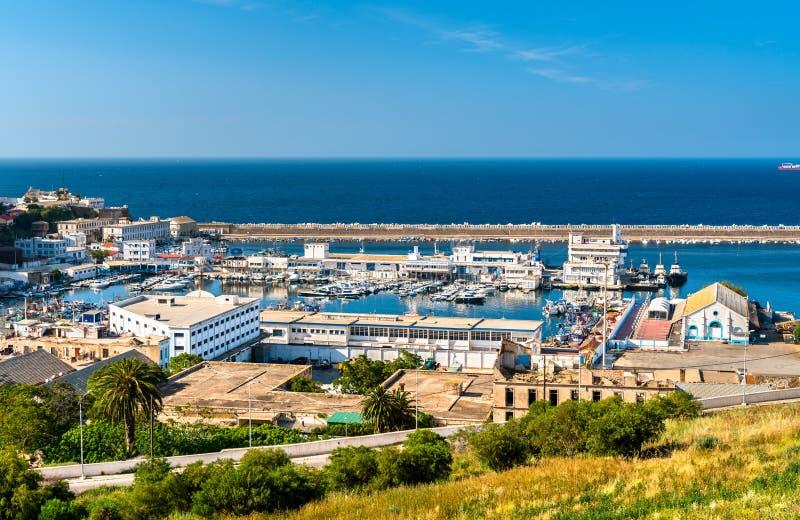 Porto de Oran, uma cidade litoral em Argélia foto de stock royalty free