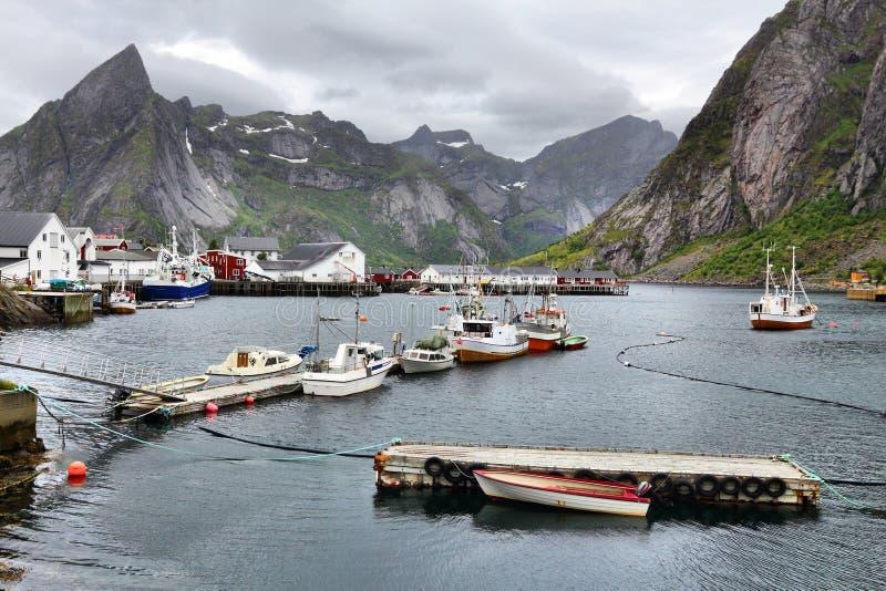 Porto de pesca em Noruega fotografia de stock