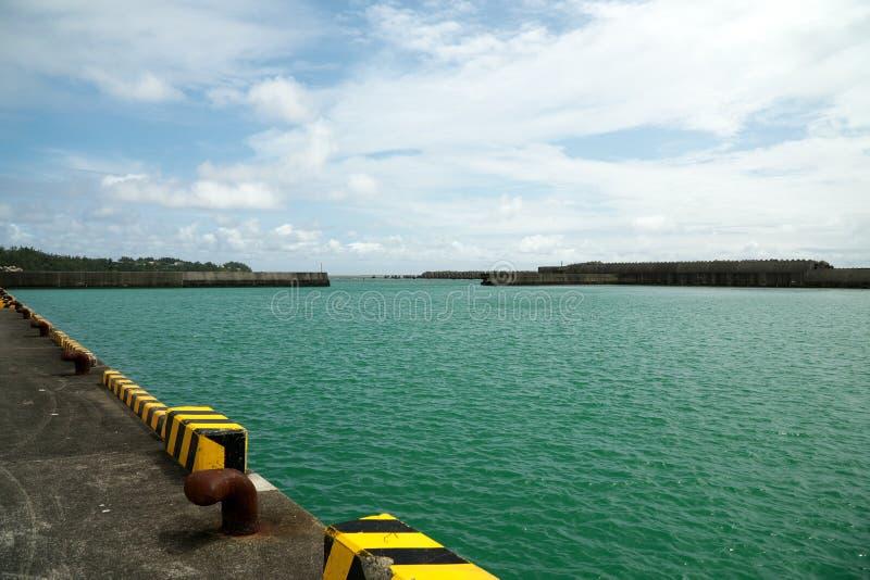 Porto de pesca de Ushuku em Amami Oshima, Kagoshima, Japão imagem de stock royalty free