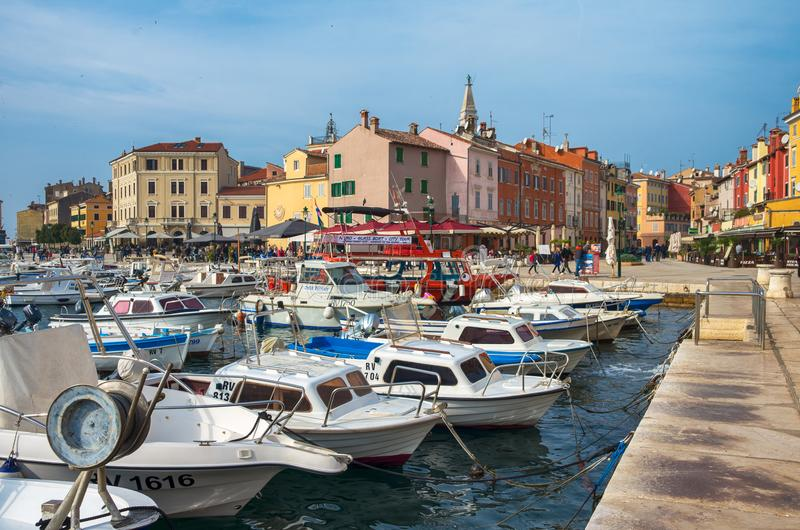 Porto de Rovinj, Croácia, mar de adriático fotos de stock