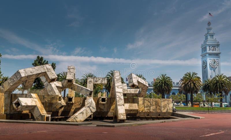 Porto de San Francisco e do monumento da arte foto de stock royalty free