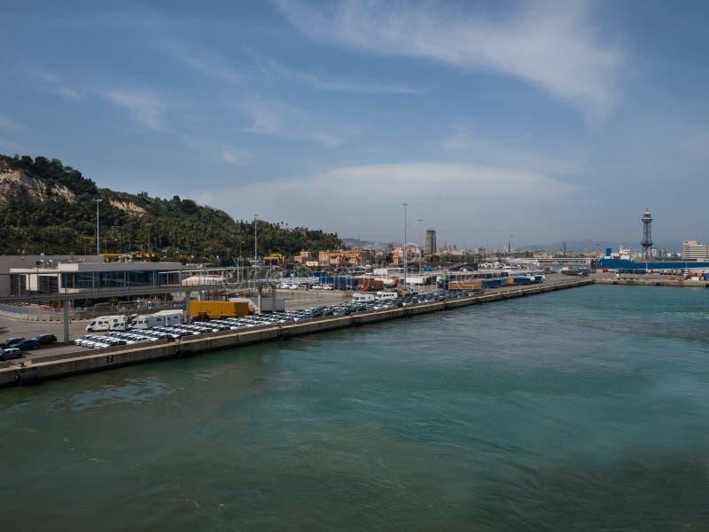 Porto del carico e di traghetto di Barcellona fotografie stock