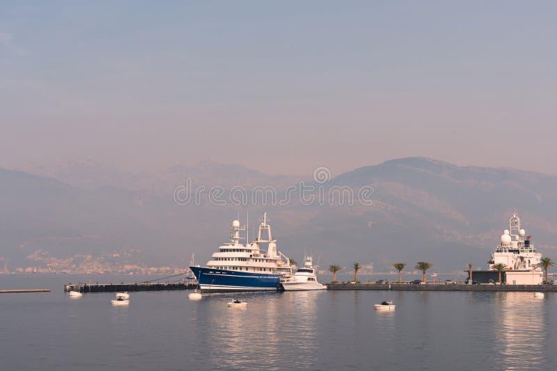 Porto del mare nel Montenegro fotografie stock