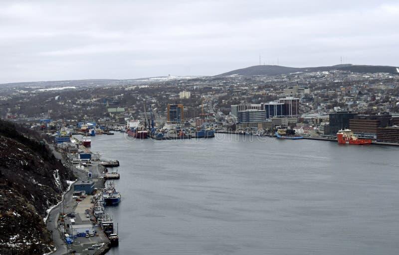 Download Porto Del ` S Di St John Di Vista Dell'angolo Alto Nell'inverno Immagine Stock - Immagine di litoraneo, porto: 117978157