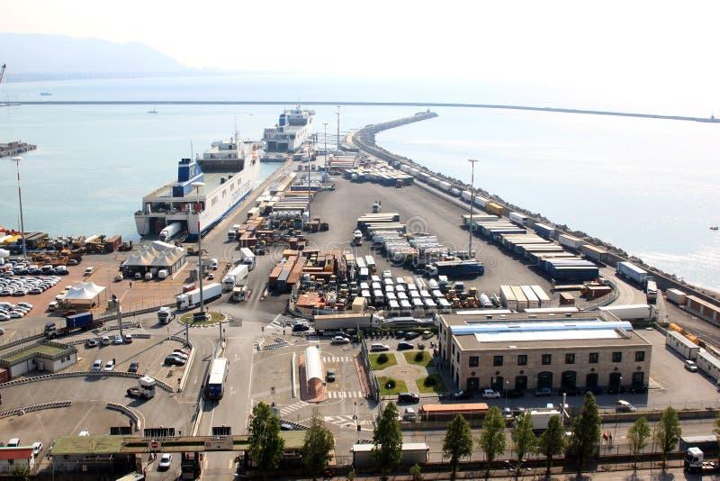 Porto del trasporto e del traghetto di Salerno, Italia immagine stock libera da diritti