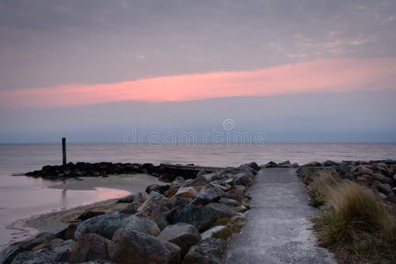 Porto dell'yacht di Bogense, Danimarca - tramonto fotografia stock libera da diritti