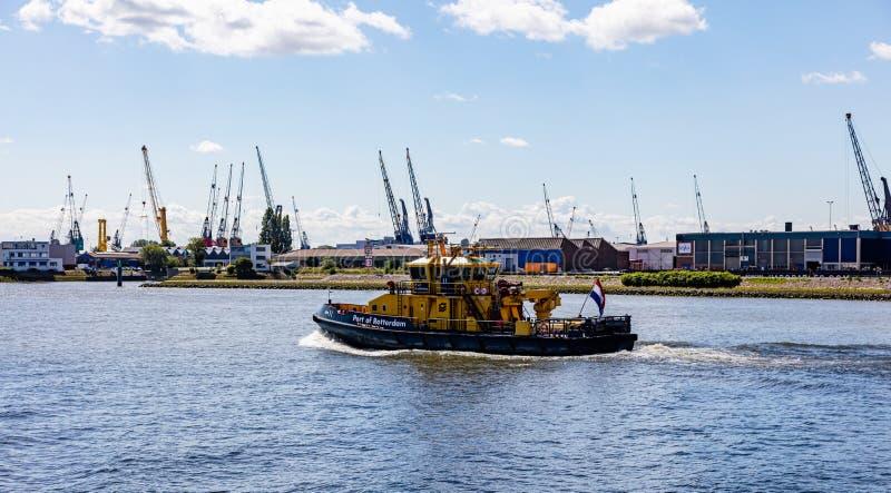 Porto della barca di Rotterdam in fiume Mosa, Rotterdam, Paesi Bassi fotografia stock
