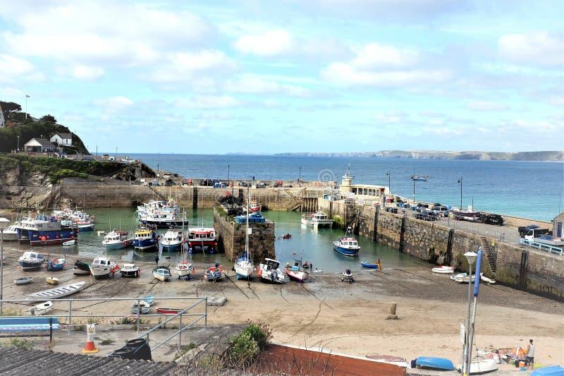 Porto di bassa marea, Newquay, Cornovaglia del nord, Regno Unito fotografie stock libere da diritti