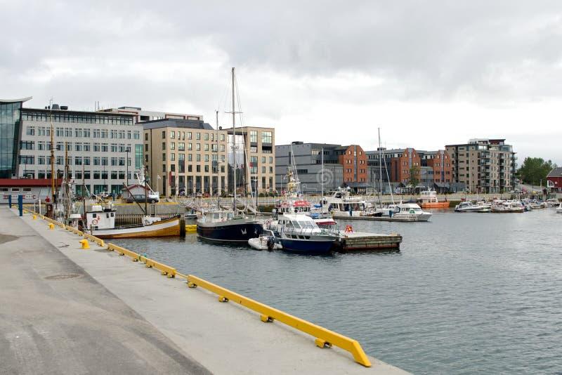 Porto di Bodoe, sera di estate, Norvegia immagini stock