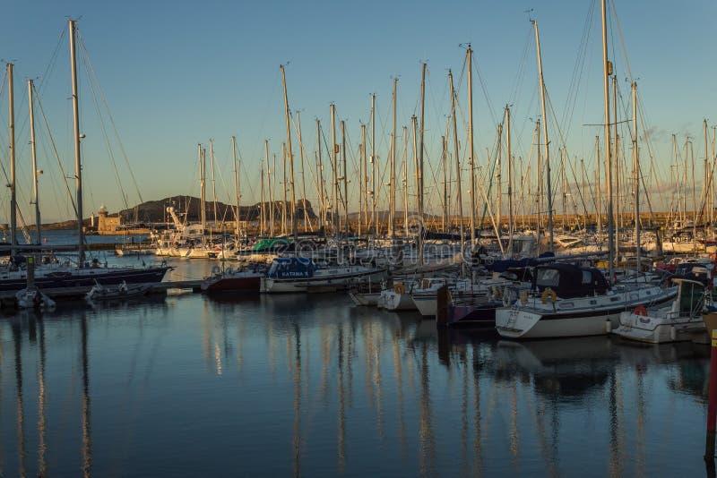 Porto di Howth, Co Dublino, Irlanda, il 29 febbraio 2018 fotografie stock libere da diritti