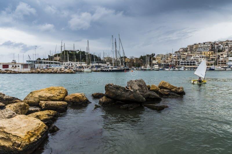 Porto di Mikrolimano Pireo - in Grecia fotografie stock libere da diritti