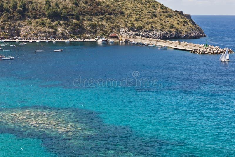 Porto di Palinuro, Salerno, Italia fotografie stock libere da diritti