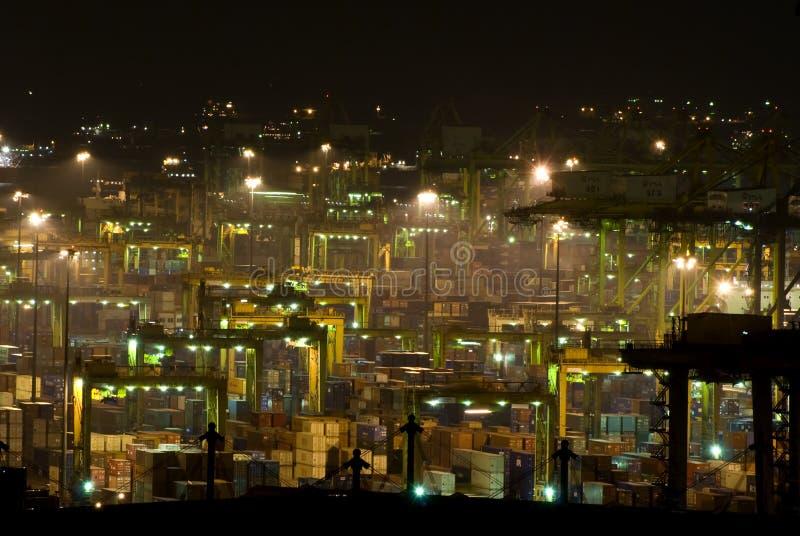 Porto di Singapore alla notte fotografia stock libera da diritti