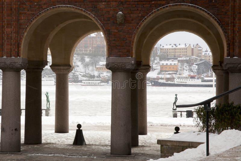 Porto di Stoccolma dalla città corridoio immagine stock