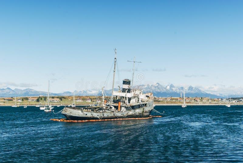 Porto di Ushuaia del naufragio immagine stock