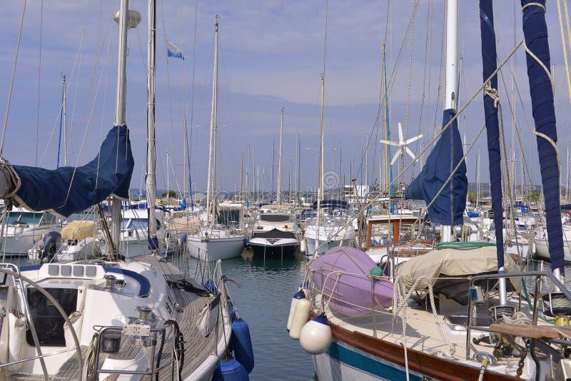Porto do Saint-Laurent-du-Var em França imagem de stock