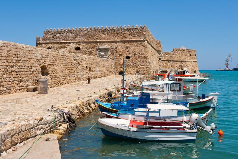 Porto e castello di Heraklion. Crete, Grecia fotografie stock