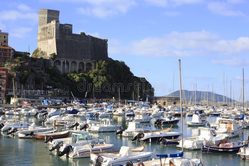 Porto e cidade velha do lerici fotografia de stock royalty free