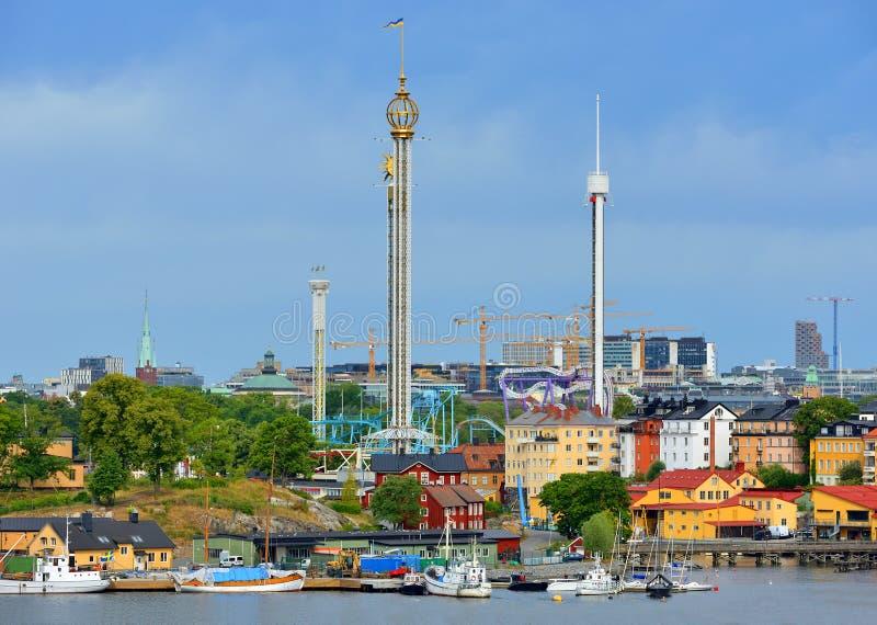 Porto e Grona Lund, parque de diversões Éstocolmo, Suécia foto de stock