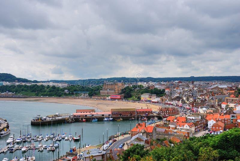 Porto e spiaggia di Scarborough fotografia stock