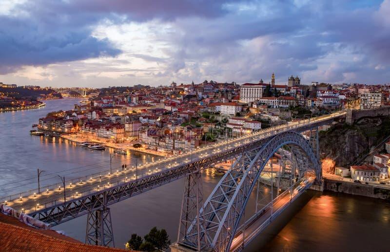 Porto med Dom Luis Bridge - Portugal arkivbild