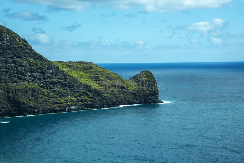 Porto Moniz na Północno Zachodni wybrzeżu dokąd góry w północy wyspa madera spotykają Atlantyckiego ocean zdjęcie royalty free
