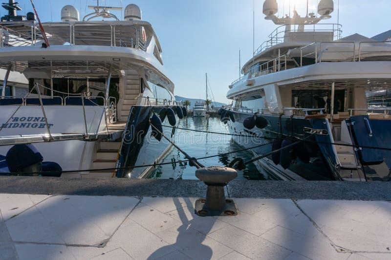 Porto Montenegro Jachty w porcie morskim Tivat miasto Kotor zatoka, Adriatycki morze s?awna miejsce przeznaczenia podr?? zdjęcia royalty free