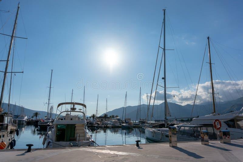 Porto Montenegro Yachten im Seehafen von Tivat-Stadt Kotor-Bucht, adriatisches Meer Ber?hmte Reisen-Zieleinheit lizenzfreie stockfotos