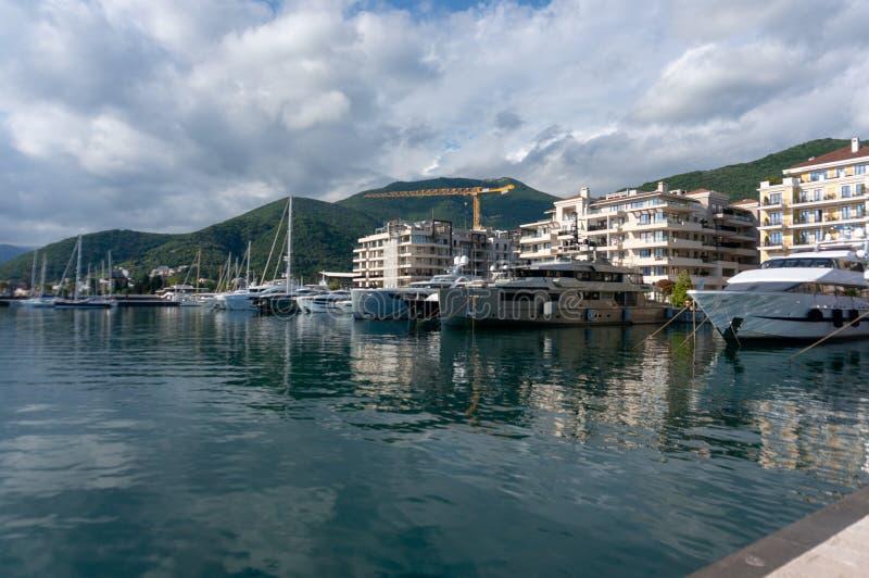 Porto Montenegro Yachten im Seehafen von Tivat-Stadt Kotor-Bucht, adriatisches Meer Ber?hmte Reisen-Zieleinheit lizenzfreies stockfoto