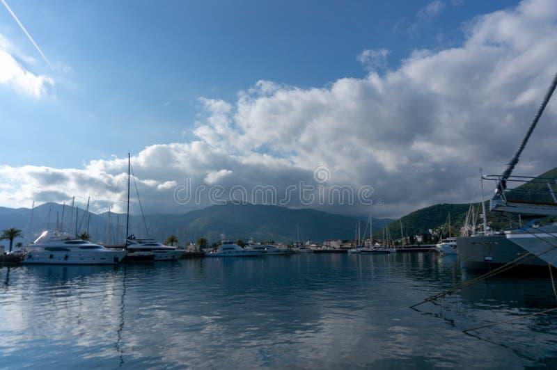 Porto Montenegro Yachten im Seehafen von Tivat-Stadt Kotor-Bucht, adriatisches Meer Ber?hmte Reisen-Zieleinheit stockbild