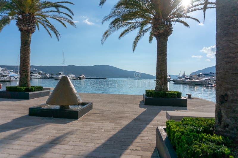 Porto Montenegro Yachten im Seehafen von Tivat-Stadt Kotor-Bucht, adriatisches Meer Ber?hmte Reisen-Zieleinheit lizenzfreie stockfotografie