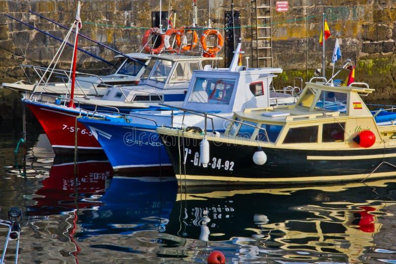 Download Barcos no resto foto de stock. Imagem de oceano, vermelho - 29831376