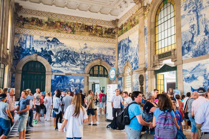 PORTO, PORTUGAL - 8 AOÛT 2016 : Station de train de bento de São Porto, Portugal images stock