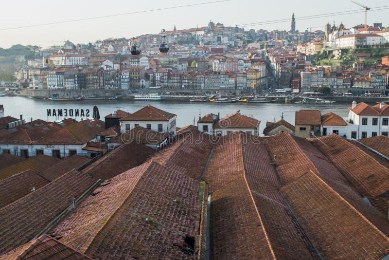 Porto, Portugal - 23 de abril de 2018: Opinião Vila Nova de Gaia e foto de stock royalty free