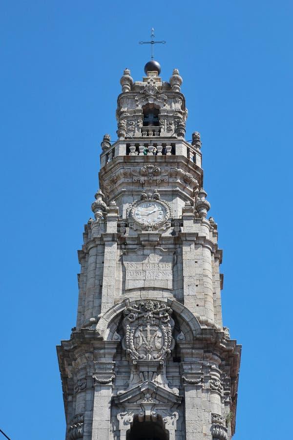 Porto, Portugal : DOS de Torre Clerigos (le clergé Tower), 1754, point de repère et symbole de la ville historique photo stock